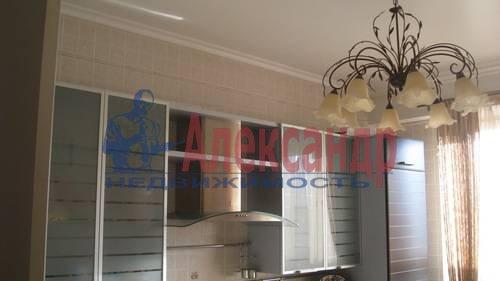 2-комнатная квартира (70м2) в аренду по адресу Мытнинская ул., 2— фото 2 из 12