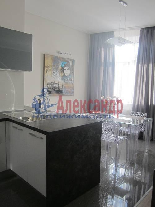2-комнатная квартира (80м2) в аренду по адресу Исполкомская ул., 12— фото 9 из 13