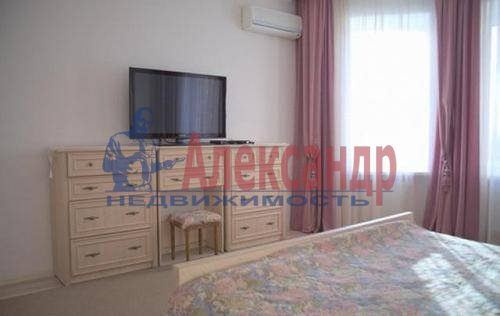 2-комнатная квартира (71м2) в аренду по адресу Полтавский пр-зд., 2— фото 8 из 9