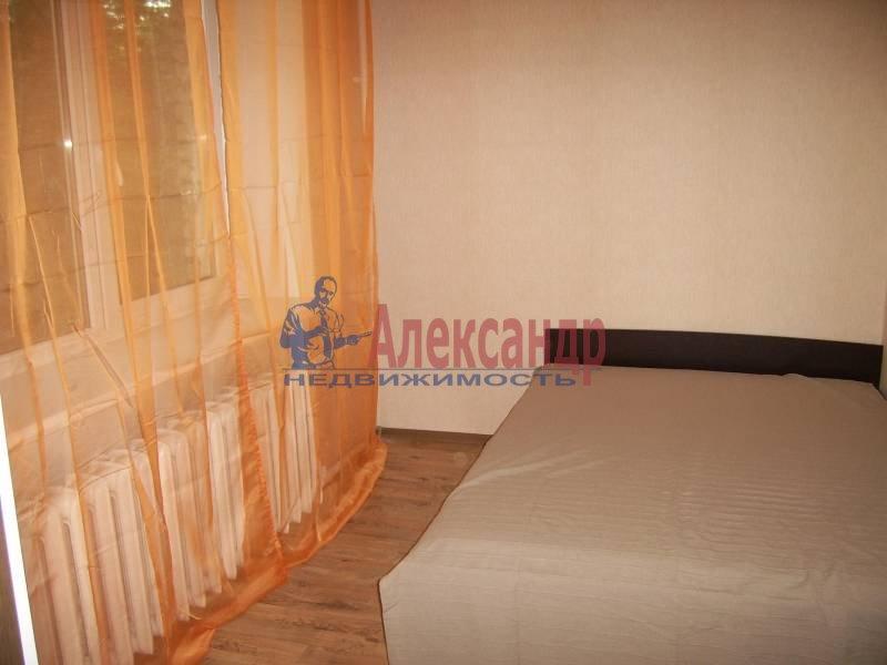 2-комнатная квартира (54м2) в аренду по адресу Дрезденская ул.— фото 2 из 11