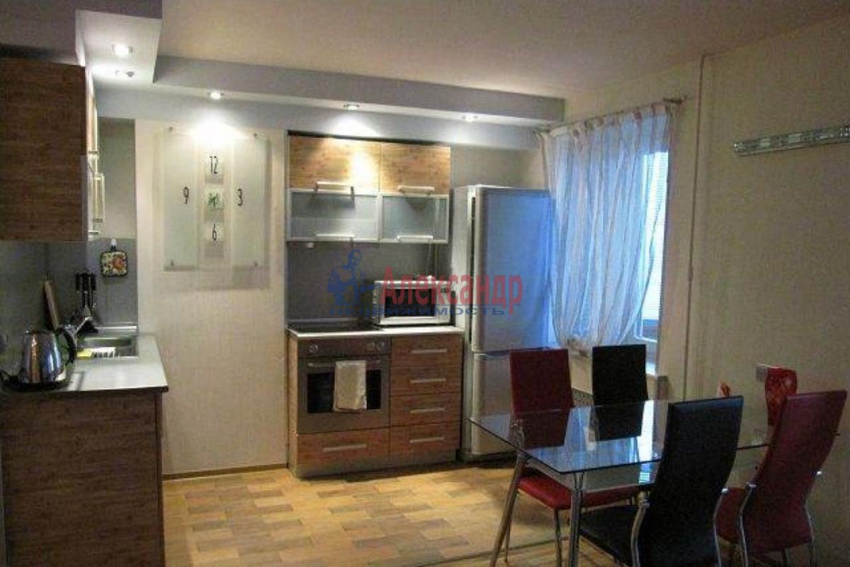 2-комнатная квартира (65м2) в аренду по адресу Савушкина ул., 139— фото 1 из 7