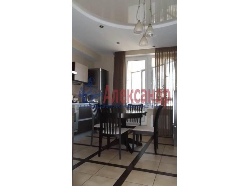 3-комнатная квартира (100м2) в аренду по адресу Коломяжский пр., 15— фото 9 из 14