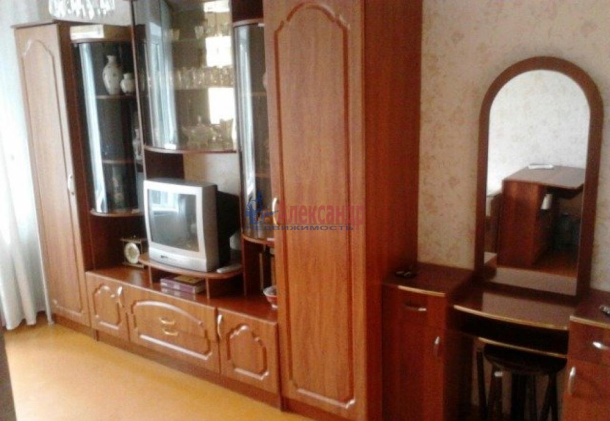 Комната в 2-комнатной квартире (52м2) в аренду по адресу Ленинский пр., 127— фото 2 из 3