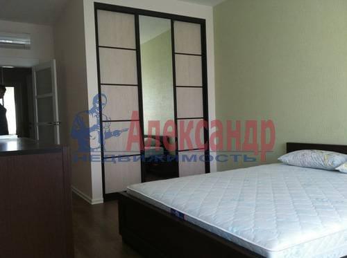 2-комнатная квартира (75м2) в аренду по адресу Космонавтов просп., 61— фото 6 из 17