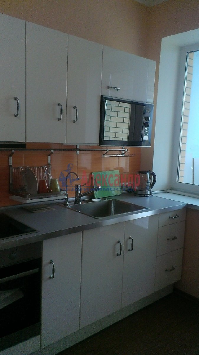 1-комнатная квартира (45м2) в аренду по адресу Белы Куна ул., 1— фото 8 из 13