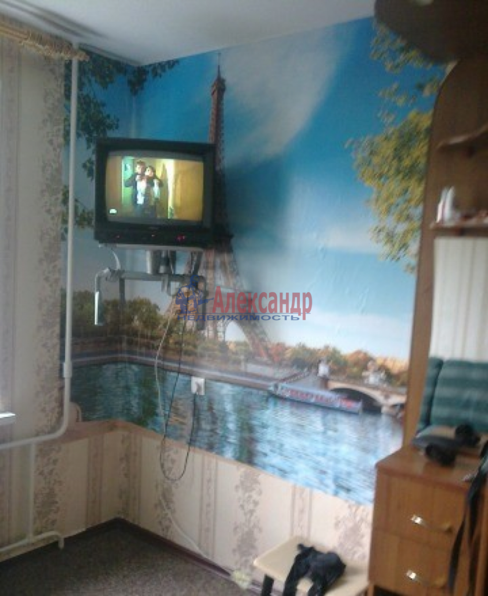 Комната в 3-комнатной квартире (68м2) в аренду по адресу Авиационная ул., 18— фото 2 из 3