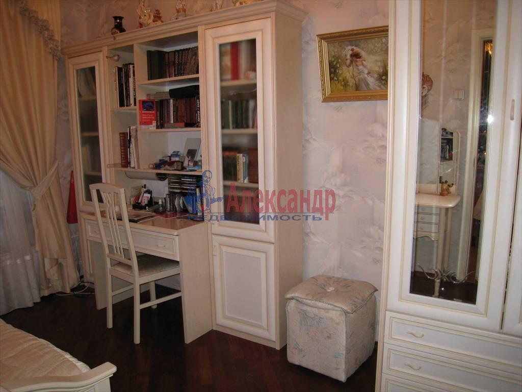 3-комнатная квартира (64м2) в аренду по адресу Чайковского ул., 36— фото 2 из 4