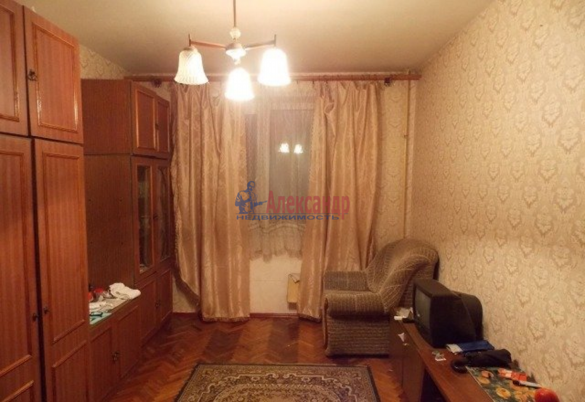 Комната в 3-комнатной квартире (90м2) в аренду по адресу Садовая ул., 83— фото 2 из 2