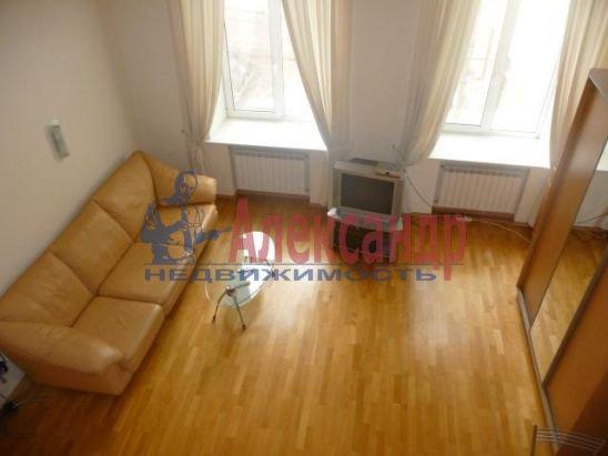 2-комнатная квартира (75м2) в аренду по адресу Большая Конюшенная ул., 3— фото 2 из 4