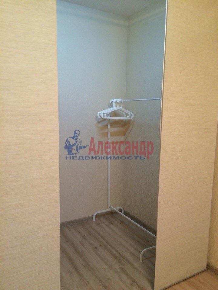 1-комнатная квартира (40м2) в аренду по адресу Дунайский пр., 23— фото 2 из 6