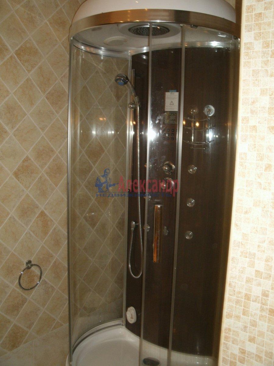 2-комнатная квартира (76м2) в аренду по адресу Мичуринская ул., 6— фото 4 из 4