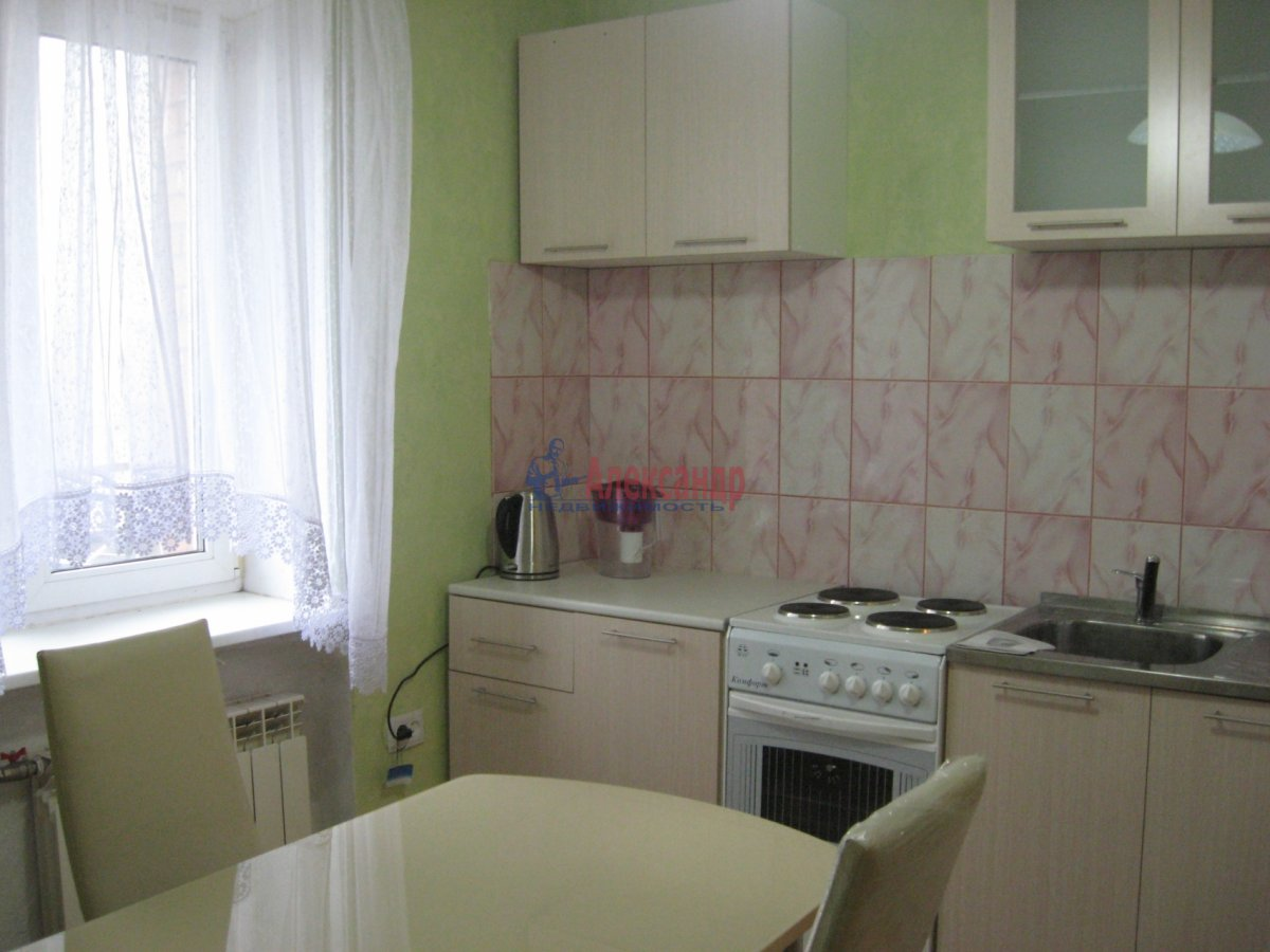 1-комнатная квартира (35м2) в аренду по адресу Тельмана ул., 30— фото 1 из 2