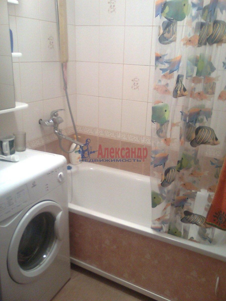2-комнатная квартира (49м2) в аренду по адресу Лени Голикова ул., 62— фото 6 из 6
