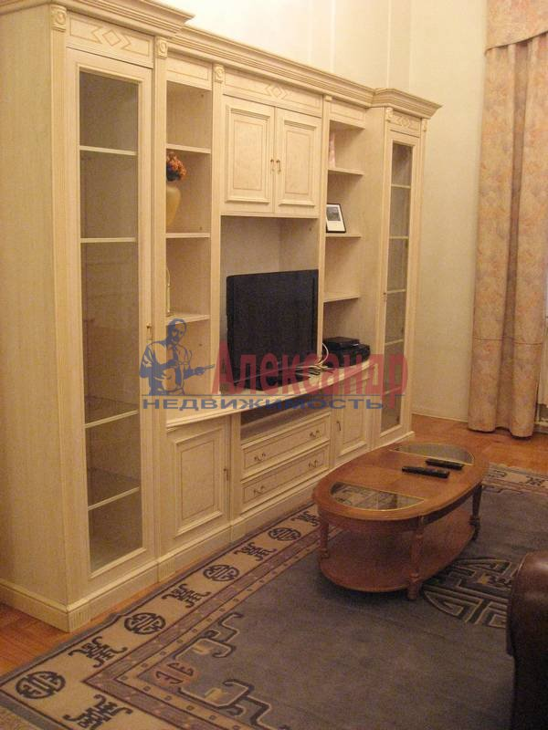 4-комнатная квартира (160м2) в аренду по адресу Рубинштейна ул., 3— фото 15 из 23