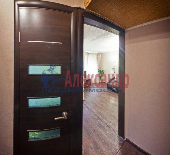 1-комнатная квартира (40м2) в аренду по адресу Карпинского ул., 33— фото 1 из 4