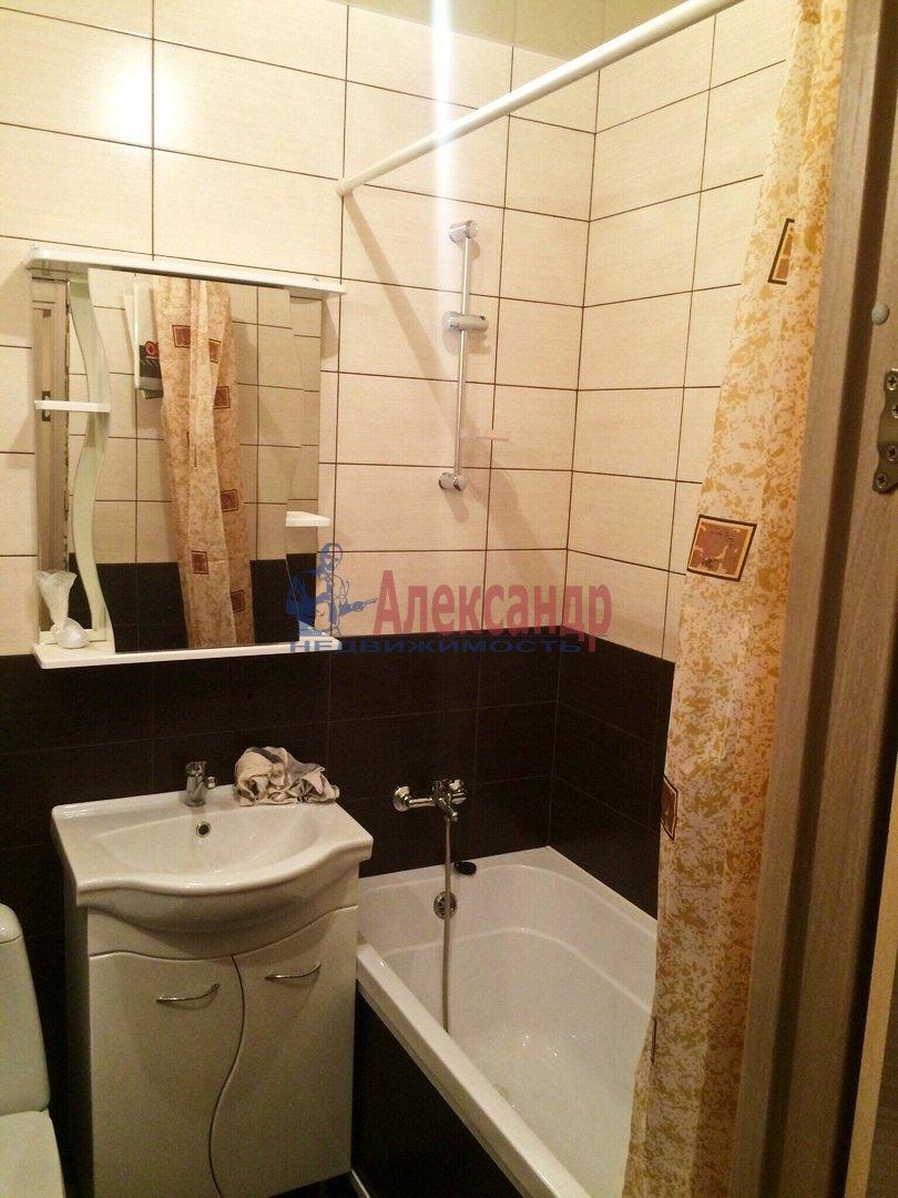 1-комнатная квартира (40м2) в аренду по адресу Дунайский пр., 23— фото 3 из 6