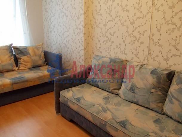 Комната в 3-комнатной квартире (57м2) в аренду по адресу Бухарестская ул., 15— фото 1 из 3