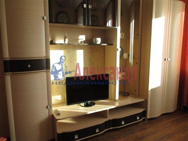 1-комнатная квартира (40м2) в аренду по адресу Репина ул., 27— фото 1 из 1