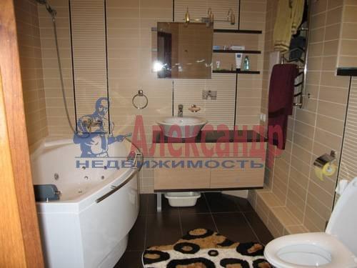 2-комнатная квартира (64м2) в аренду по адресу Исполкомская ул., 12— фото 4 из 4