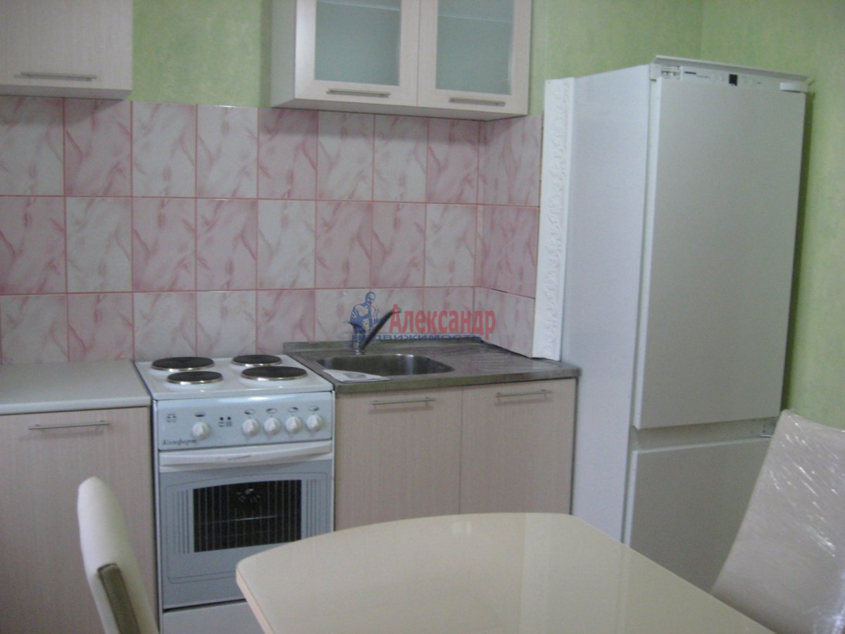 1-комнатная квартира (35м2) в аренду по адресу Тельмана ул., 30— фото 2 из 2