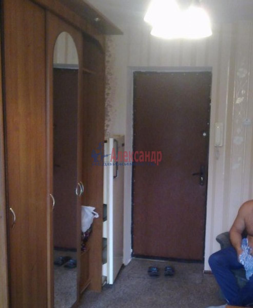 Комната в 3-комнатной квартире (68м2) в аренду по адресу Авиационная ул., 18— фото 3 из 3