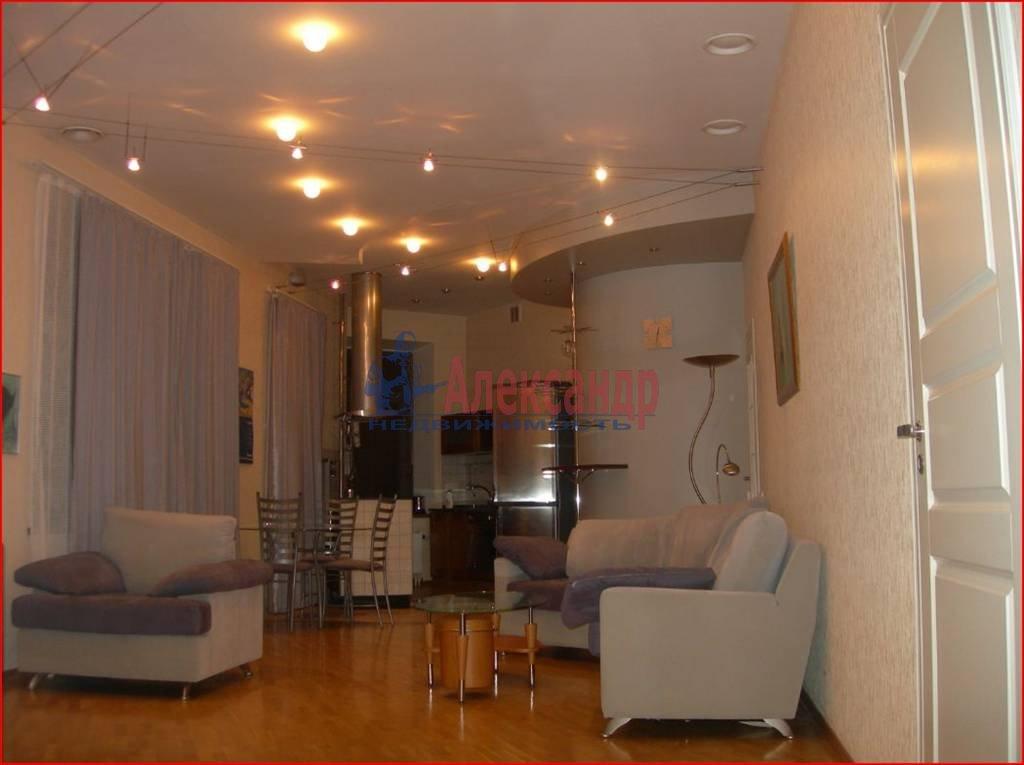 3-комнатная квартира (100м2) в аренду по адресу Большая Посадская ул., 14— фото 3 из 7