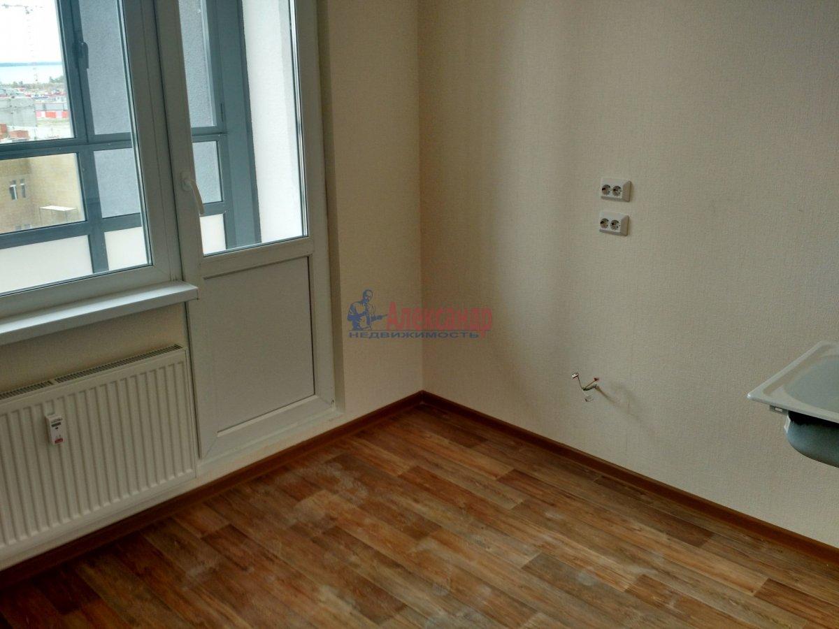 1-комнатная квартира (36м2) в аренду по адресу Маршала Казакова ул., 78— фото 6 из 8