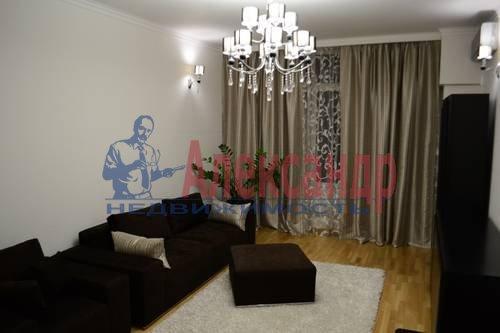 2-комнатная квартира (64м2) в аренду по адресу Кузнецовская ул., 44— фото 2 из 8