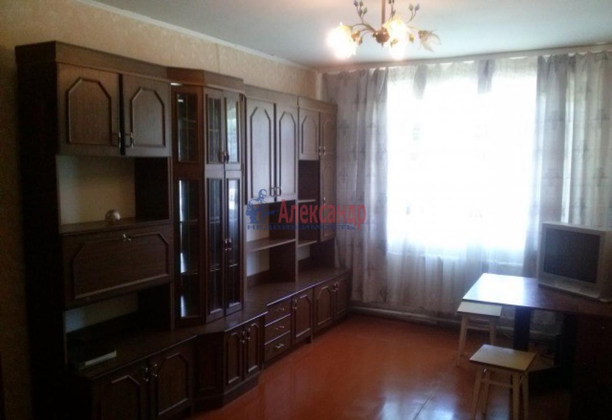 Комната в 3-комнатной квартире (58м2) в аренду по адресу Московский просп., 173— фото 1 из 4