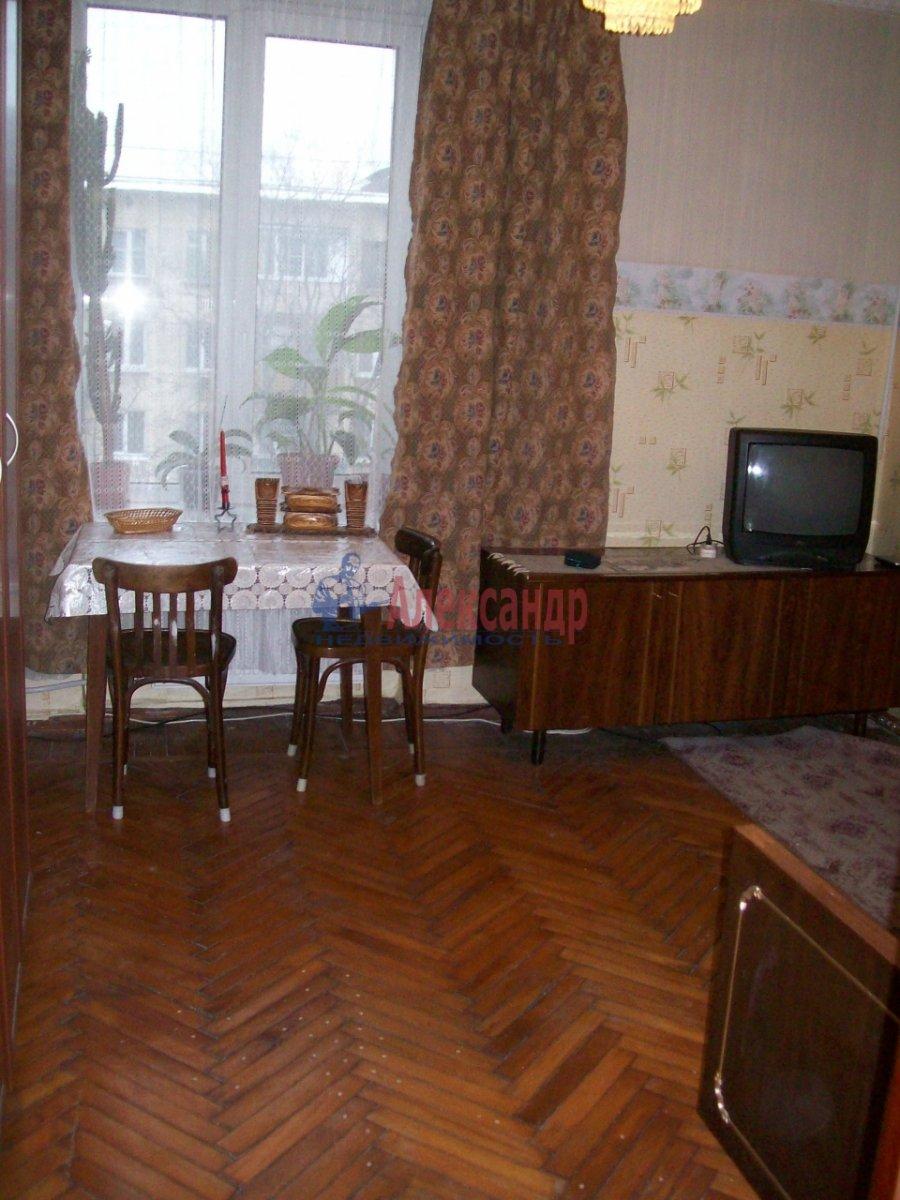 1-комнатная квартира (40м2) в аренду по адресу Сердобольская ул., 7— фото 1 из 4