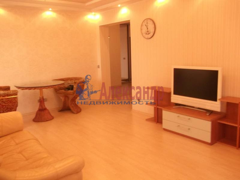 3-комнатная квартира (100м2) в аренду по адресу Космонавтов просп., 61— фото 7 из 9