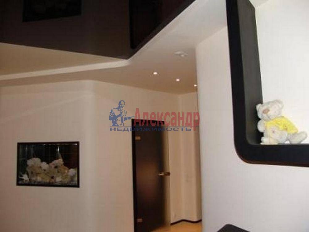 1-комнатная квартира (45м2) в аренду по адресу Маршала Тухачевского ул.— фото 2 из 4