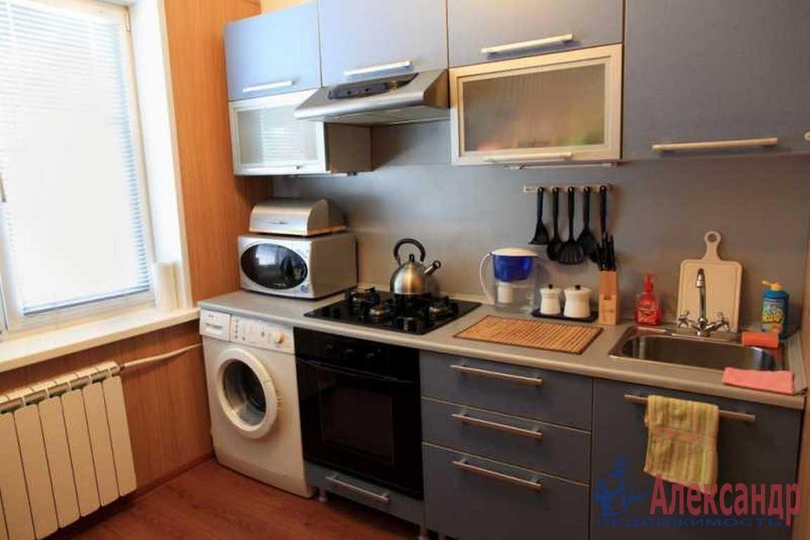 2-комнатная квартира (55м2) в аренду по адресу Авиационная ул., 15— фото 3 из 5