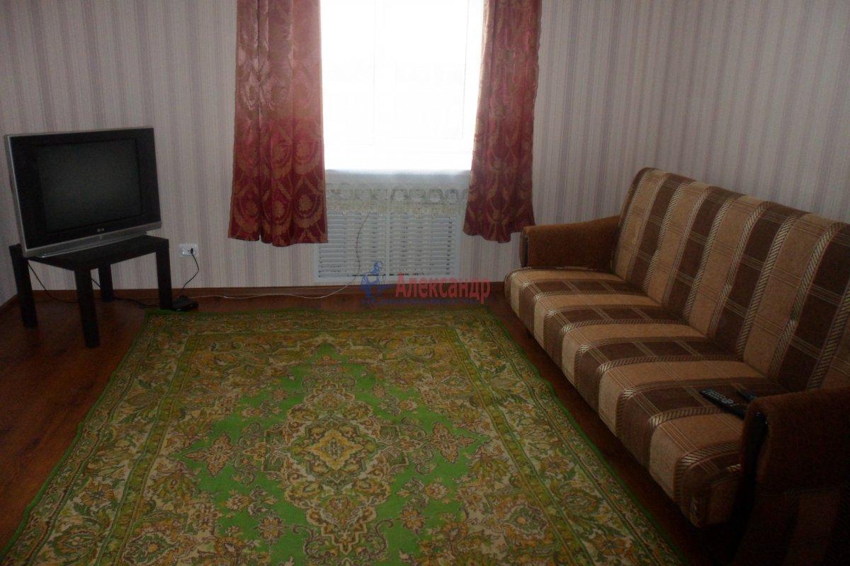 2-комнатная квартира (30м2) в аренду по адресу Сортавала г., Комсомольская ул., 8— фото 2 из 7