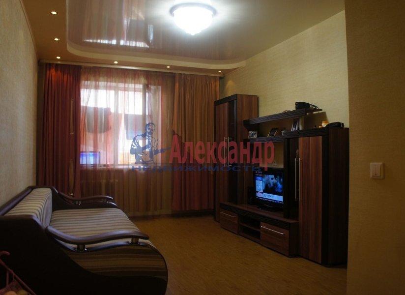 1-комнатная квартира (36м2) в аренду по адресу Большевиков пр., 8— фото 1 из 5
