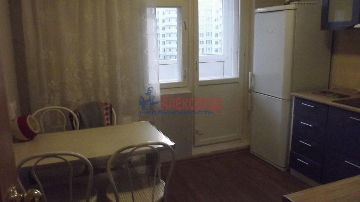1-комнатная квартира (36м2) в аренду по адресу Славы пр., 52— фото 1 из 5