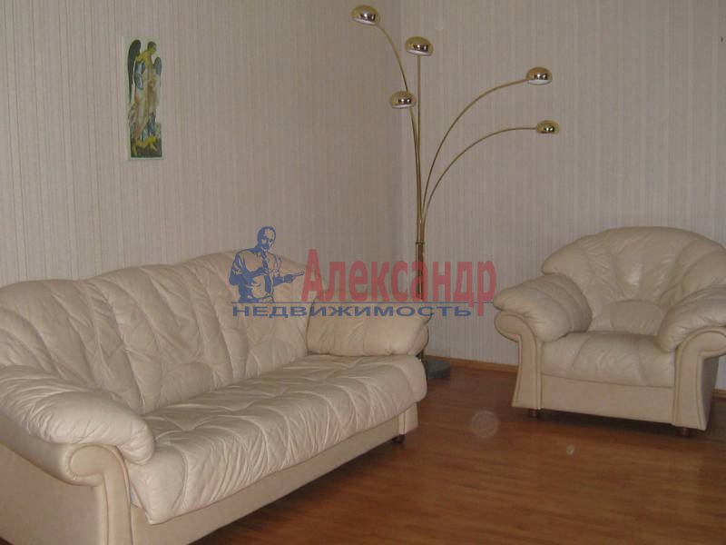 3-комнатная квартира (65м2) в аренду по адресу Кораблестроителей ул., 46— фото 2 из 8