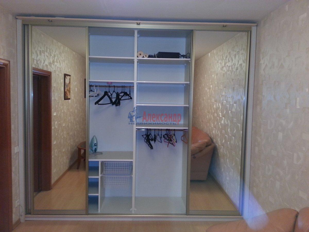 1-комнатная квартира (48м2) в аренду по адресу Ленсовета ул., 88— фото 17 из 18