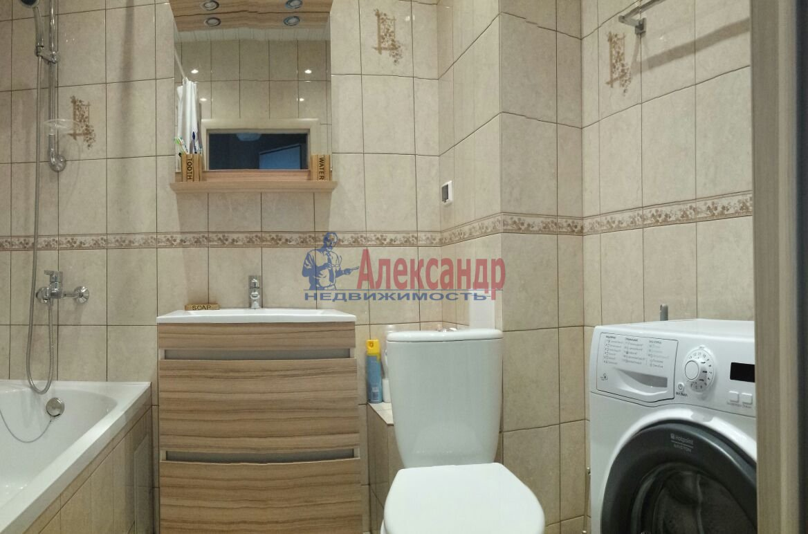 1-комнатная квартира (40м2) в аренду по адресу Белы Куна ул., 1— фото 2 из 4