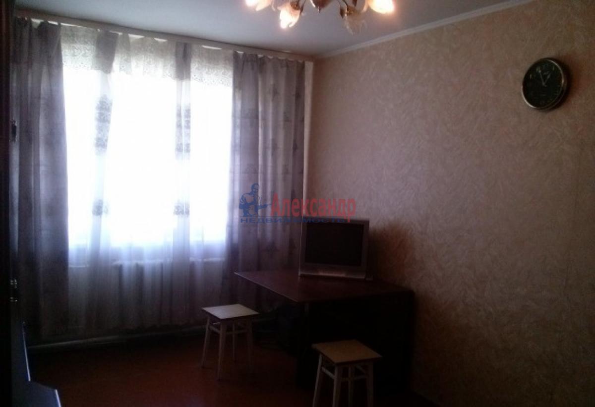 Комната в 3-комнатной квартире (58м2) в аренду по адресу Московский просп., 173— фото 2 из 4
