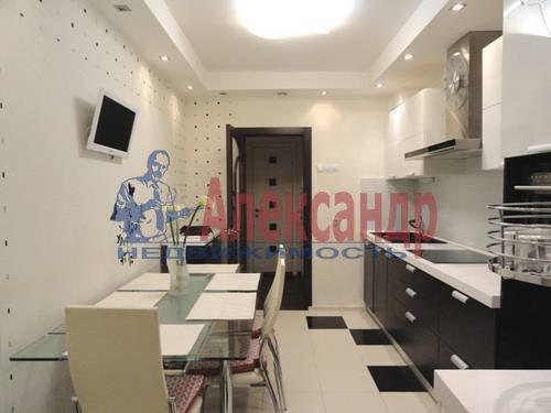 2-комнатная квартира (69м2) в аренду по адресу Коломяжский пр., 28— фото 9 из 9