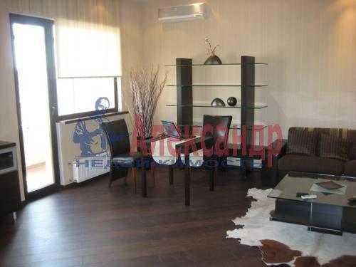 2-комнатная квартира (72м2) в аренду по адресу Большая Посадская ул., 12— фото 3 из 6