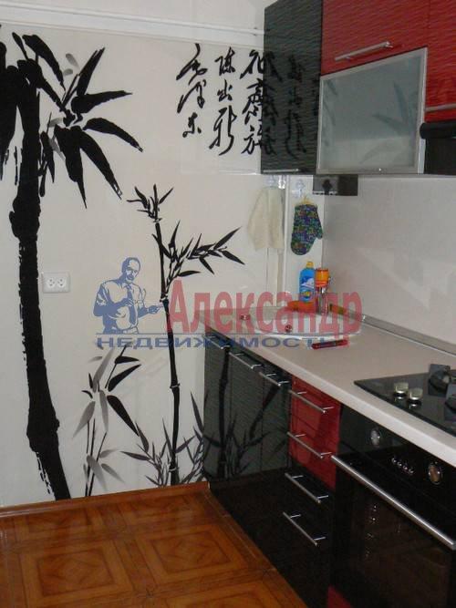 2-комнатная квартира (64м2) в аренду по адресу Дровяная ул., 2— фото 3 из 10