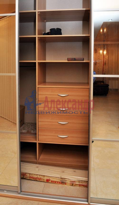 1-комнатная квартира (56м2) в аренду по адресу Петрозаводская ул., 13— фото 7 из 12