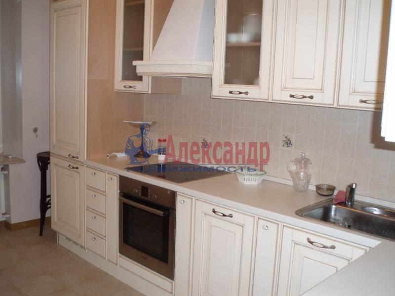 1-комнатная квартира (43м2) в аренду по адресу Большеохтинский пр., 9— фото 2 из 11