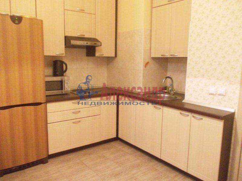 2-комнатная квартира (60м2) в аренду по адресу Варшавская ул., 36— фото 1 из 4