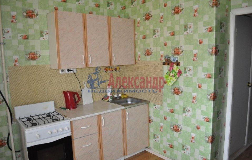 Комната в 2-комнатной квартире (42м2) в аренду по адресу Пражская ул., 2— фото 2 из 3