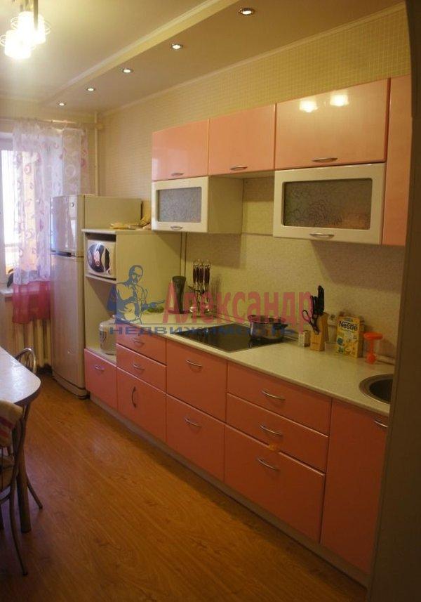 1-комнатная квартира (36м2) в аренду по адресу Большевиков пр., 8— фото 2 из 5