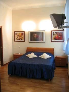 3-комнатная квартира (98м2) в аренду по адресу Реки Фонтанки наб., 82— фото 2 из 3