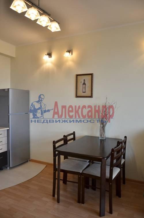 2-комнатная квартира (65м2) в аренду по адресу Варшавская ул., 9— фото 2 из 8